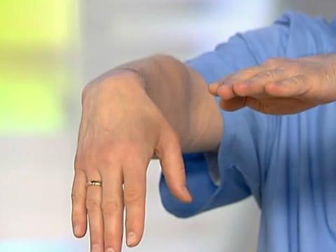Суставная грыжа запястья надо ли делать узи суставов при артрите