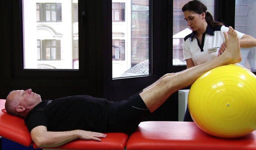 вставание с кровати после эндопротезирования тазобедренного сустава