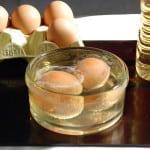 Яйцо и уксус от различных болячек.