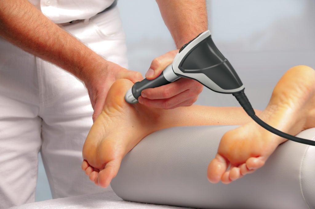 Шпора на пятке симптомы и лечение Причины появления шпор