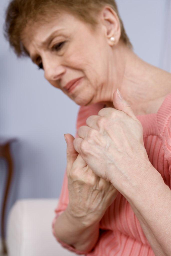 воспаление суставов плечи у пожил