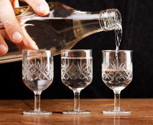 Какой алкоголь можно пить при подагре и сколько