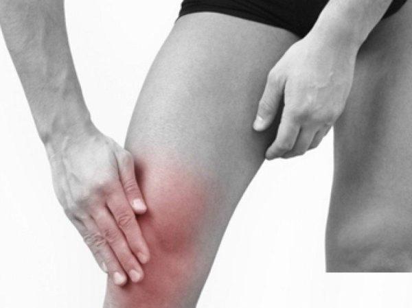 Как лечится боль в колене при подъёме по лестнице